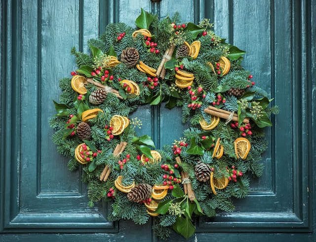 5-ways-to-prepare-for-the-holiday-season-decorate