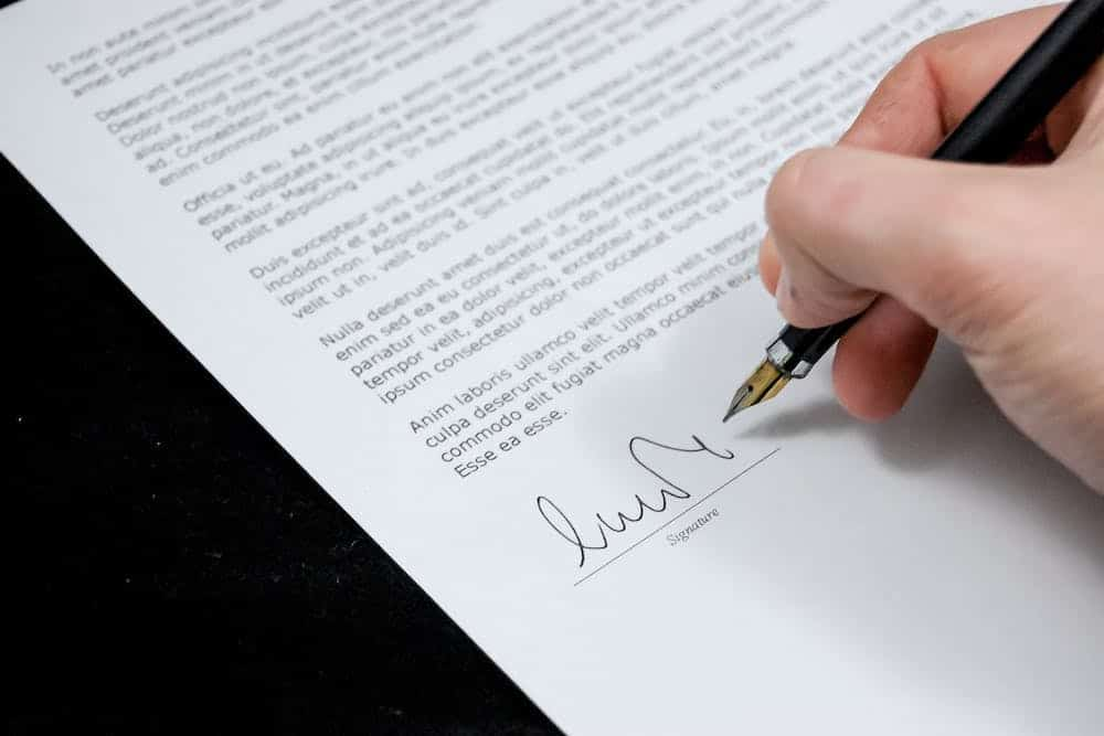 Plantilla de contrato de alquiler vacacional
