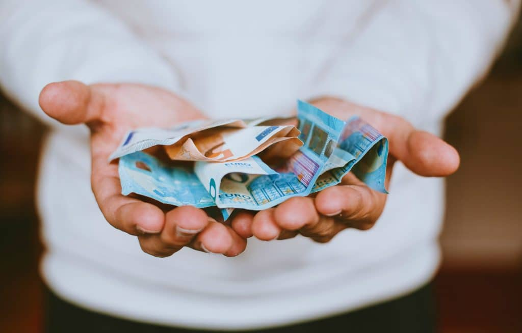 Was muss man bei der Einkommensteuer und Umsatzsteuer für die Ferienwohnung zahlen?
