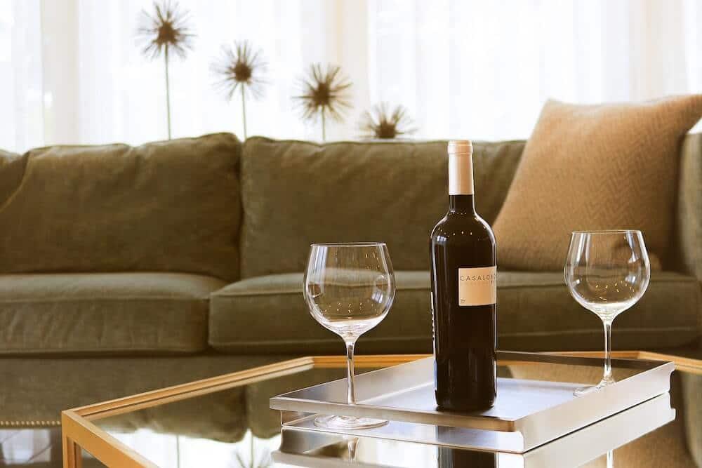 Bouteille de vin pour location saisonnière