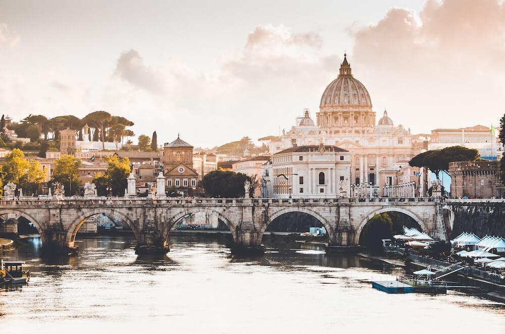 investire in case vacanze roma