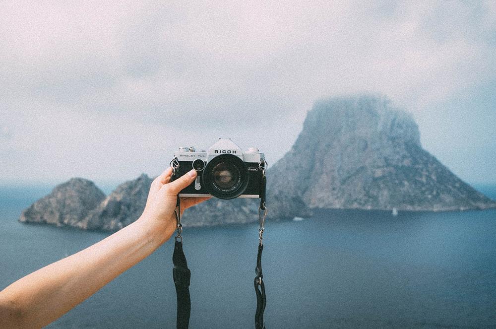 travel blogger influencer