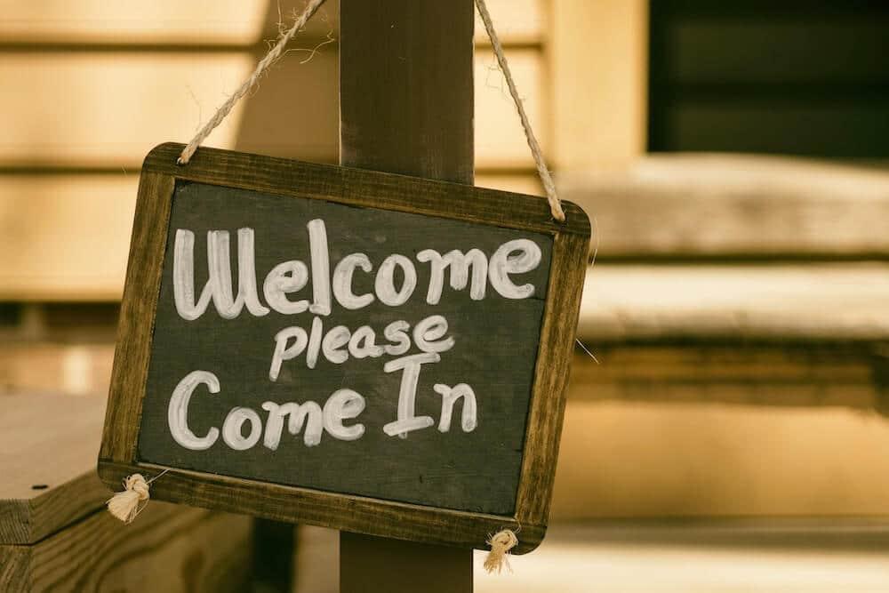 Cartel de bienvenida en inglés