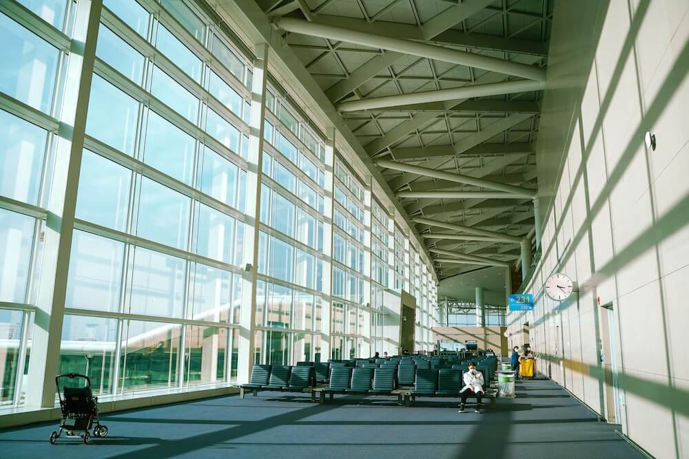 Aeropuerto vacío por Coronavirus