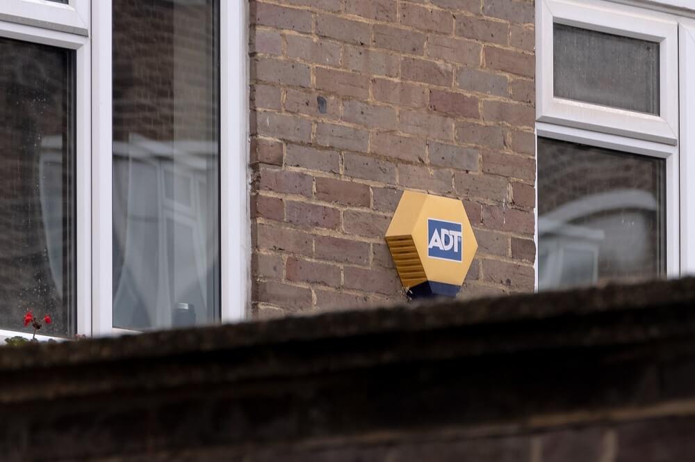 Sistemas de seguridad contra okupas en Airbnb